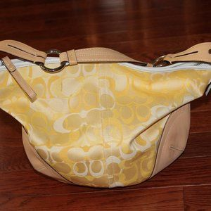 Coach optic purse